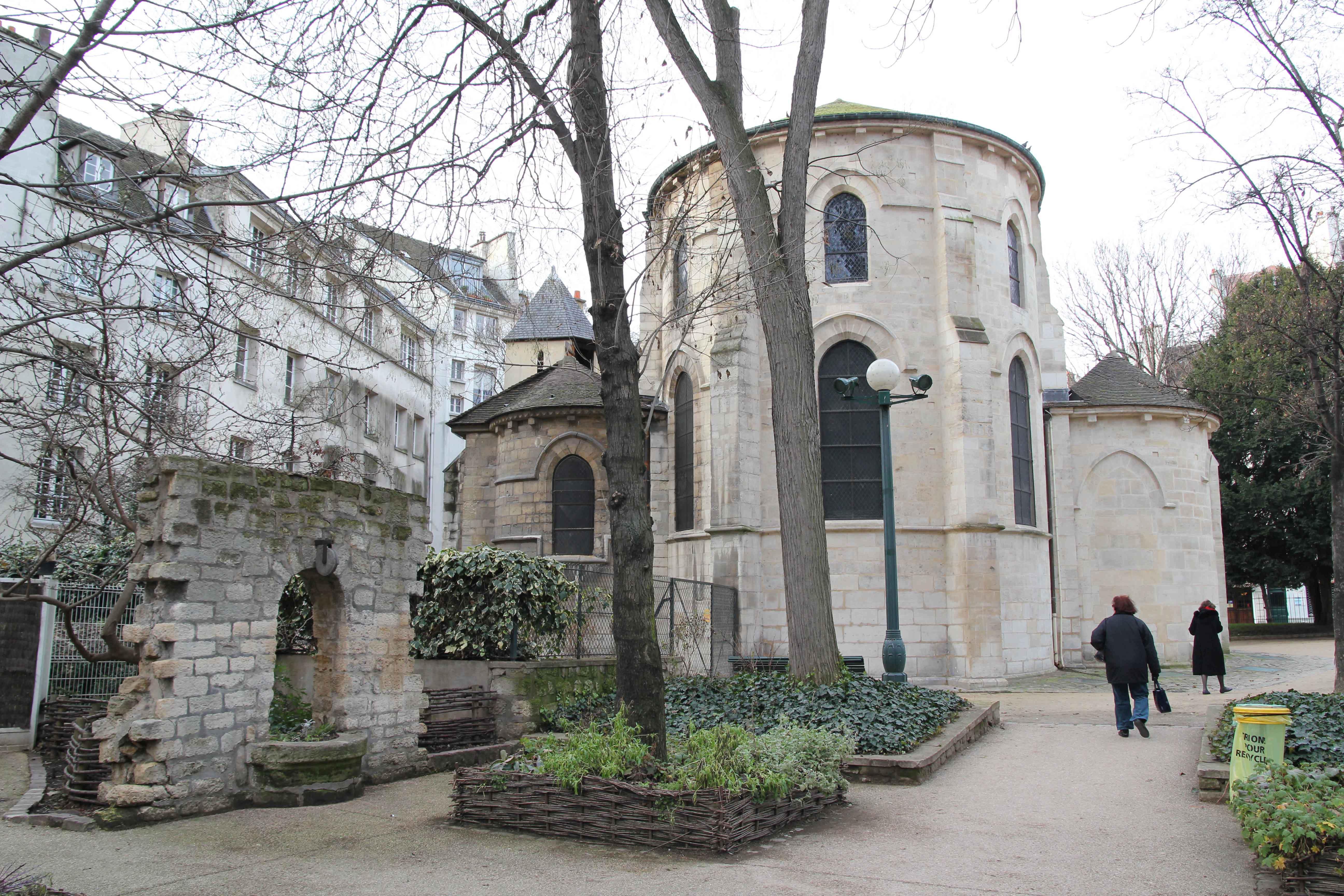 Saint-Julien-le-Pauvre by Archway Andres