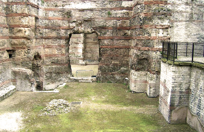 Thermes-de-Cluny-caldarium_By Octave.H via Wikipedia